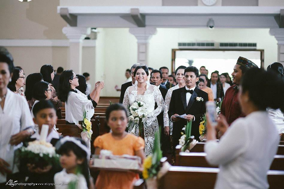 Santo Petrus Church-Amel & Krispin Wedding - Aliy Photography 022